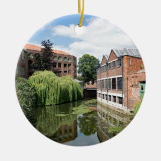 Eine Ansicht des Flusses Foss in York Keramik Ornament