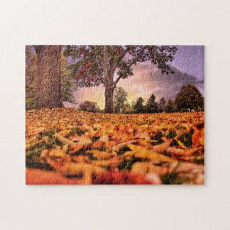 Eine Ansicht durch das Blätter-Puzzlen Puzzle