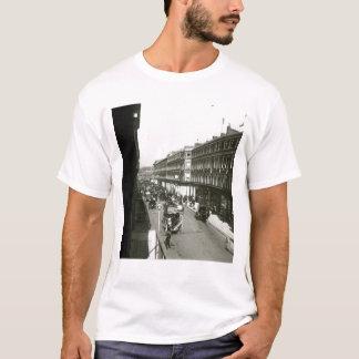 Eine Ansicht von Westbourne Waldung, London T-Shirt