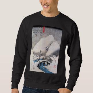 Eine Brücke in einer Snowy-Landschaft, Ando Sweatshirt