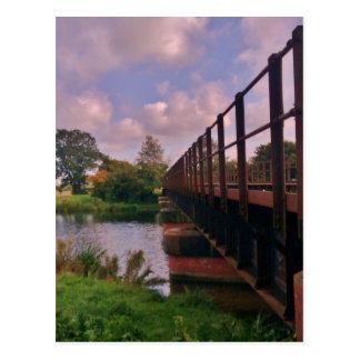 Eine Brücke zu weit? Postkarte
