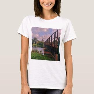 Eine Brücke zu weit? T-Shirt