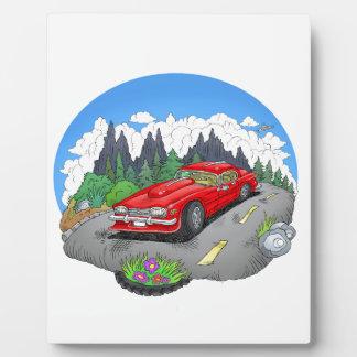 Eine Cartoonillustration eines Autos Fotoplatte