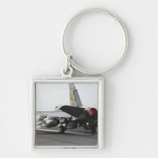 Eine F/A-18C Hornisse startet vom Führerraum 2 Schlüsselanhänger