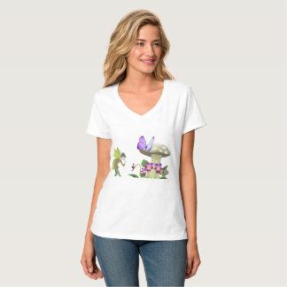 Eine Fee im T - Shirt der Fantasie-Land-Frauen