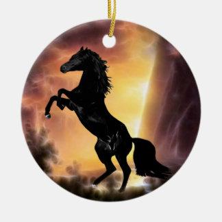 Eine friesische Stallionspferdeerrichtung Rundes Keramik Ornament