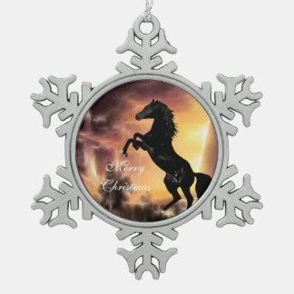 Eine friesische Stallionspferdeerrichtung Schneeflocken Zinn-Ornament