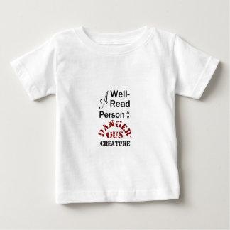 Eine Gut-Lesenperson ist ein gefährliches Geschöpf Baby T-shirt
