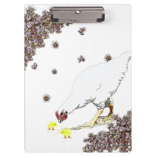 Eine Henne und Küken Klemmbrett