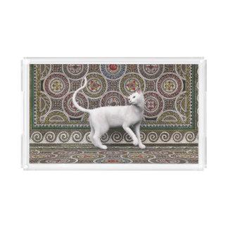 Eine Katze auf dem Mosaik Acryl Tablett