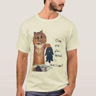 Eine Katze führt zu einen anderen T - Shirt