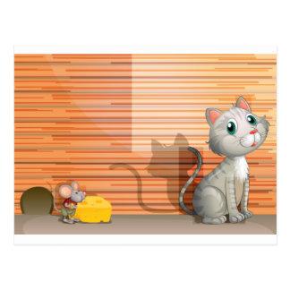 Eine Katze und eine Ratte mit Käse Postkarte