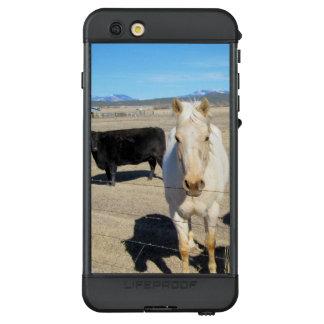 Eine Kuh und ein PferdLifeproof iPhone 6s plus LifeProof NÜÜD iPhone 6s Plus Hülle