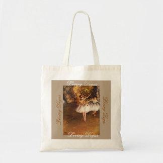 Eine künstlerische Tasche für tägliche
