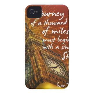 Eine lange Straße beginnt mit einem Singleschritt iPhone 4 Case-Mate Hülle