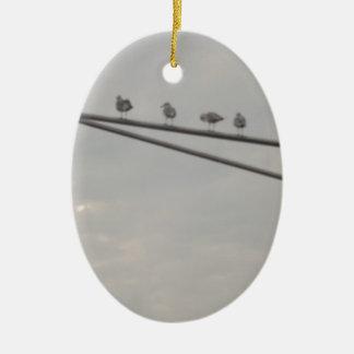 Eine Menge der Seemöwen Ovales Keramik Ornament