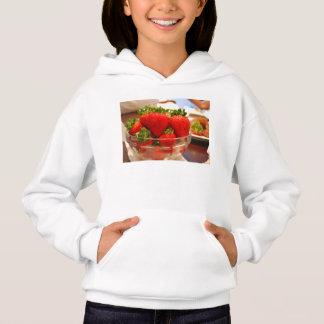 Eine Schüssel Erdbeeren Hoodie