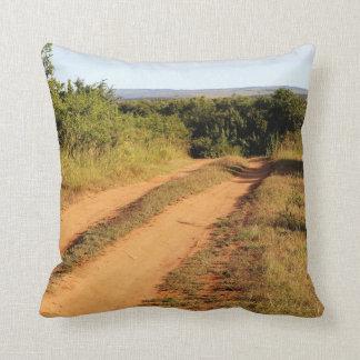 Eine Wüsten-Straße Kissen