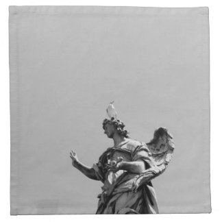 Einfaches, modernes Foto der Seemöwe auf Statue Stoffserviette
