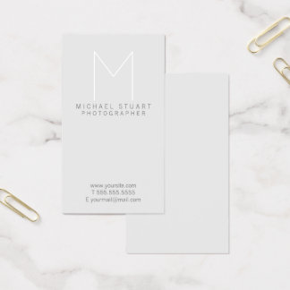Einfaches modernes unbedeutendes graues Monogramm Visitenkarte