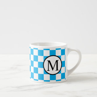 Einfaches Monogramm mit blauem Schachbrett Espressotasse