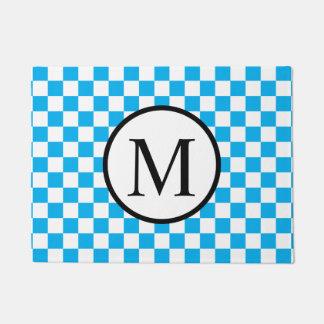 Einfaches Monogramm mit blauem Schachbrett Türmatte