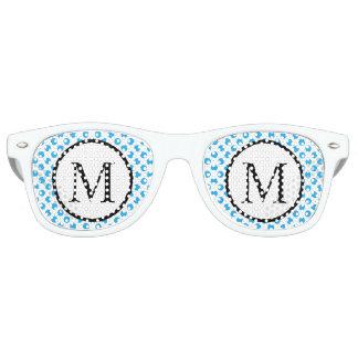 Einfaches Monogramm mit blauen Tupfen Partybrille