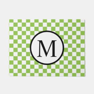 Einfaches Monogramm mit Gelbgrün-Schachbrett Türmatte