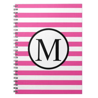 Einfaches Monogramm mit rosa horizontalen Streifen Notizblock