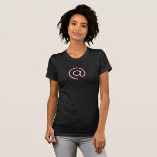 Einfaches rosa E-Mail-@ Symbol-Ikonen-Shirt T-Shirt