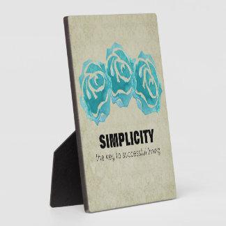 Einfachheits-Typografie-Zitat mit aquamarinen Fotoplatte