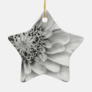 Einfarbiger Zinnia Keramik Ornament