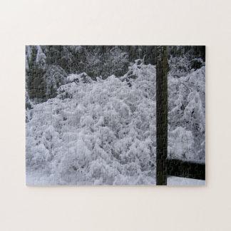 Einfarbiges Snowy-Ahorn-Puzzlespiel Puzzle