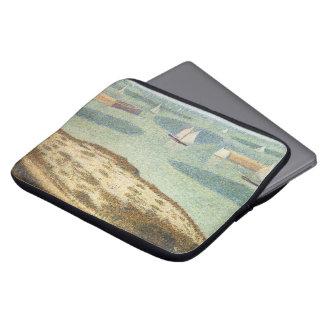 Eingang zum Hafen durch Georges Seurat, Vintage Laptopschutzhülle