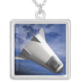 Eingebildetes Raumfahrzeug Versilberte Kette