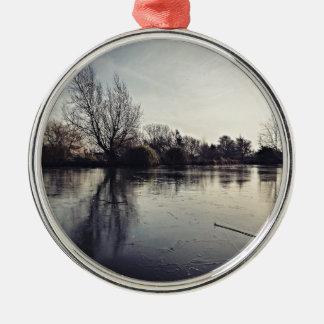 Eingefroren Rundes Silberfarbenes Ornament