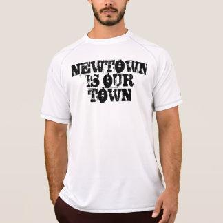 Eingeweiht nach Newtown <3 T-Shirt