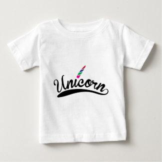 Einhorn-Entwurfs-Regenbogen-Wort-Buchstaben Baby T-shirt