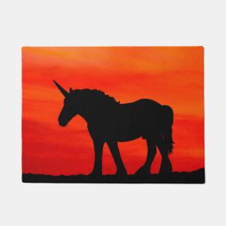 Einhorn in der Sonnenuntergang-Tür-Matte Türmatte
