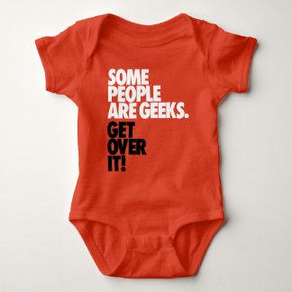 Einige Leute sind Aussenseiter Baby Strampler