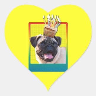 Einladungs-kleiner Kuchen - Mops Herz Sticker
