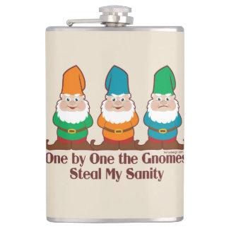 Eins nach dem anderen der Gnomes-lustige Entwurf Flachmann