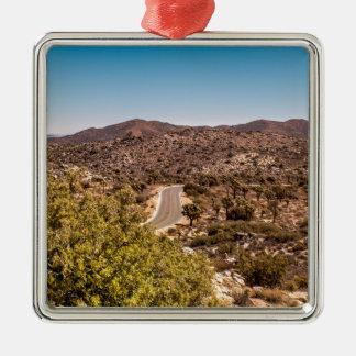 Einsame Wüstenstraße Joshua-Baums Quadratisches Silberfarbenes Ornament