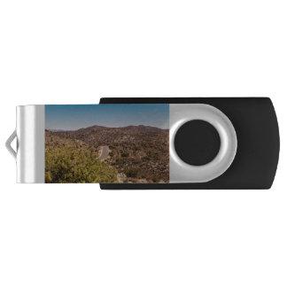 Einsame Wüstenstraße Joshua-Baums USB Stick