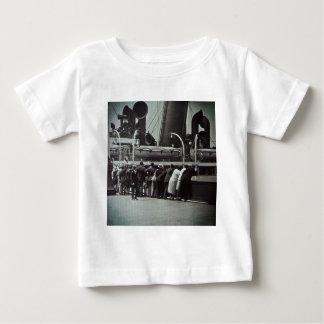 Einstellungs-Segel von New York City Vintag Baby T-shirt