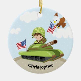 Einzigartige Soldat-Jungen-Weihnachtsverzierung Rundes Keramik Ornament
