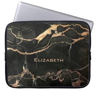 Einzigartiger antiker schwarzer Marmor und Name Laptop Sleeve