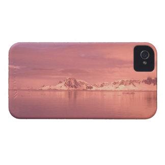 Eis, Schnee, Eisberge in den Kanälen entlang iPhone 4 Cover