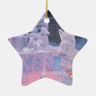 Eis-Skulptur-sportlicher Künstler, der arktische Keramik Ornament
