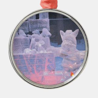 Eis-Skulptur-sportlicher Künstler, der arktische Rundes Silberfarbenes Ornament